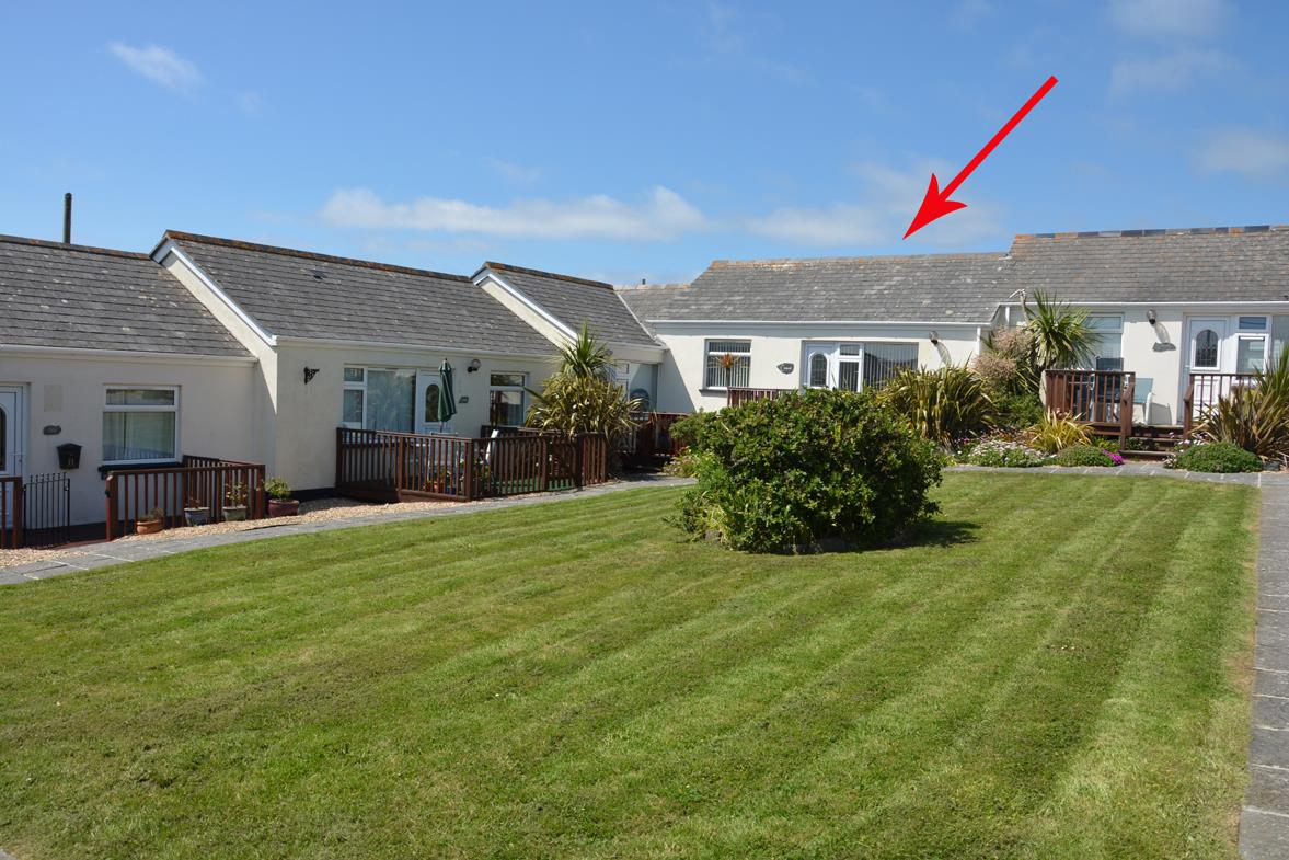 Mullion Cove Bungalows, Mullion, Helston